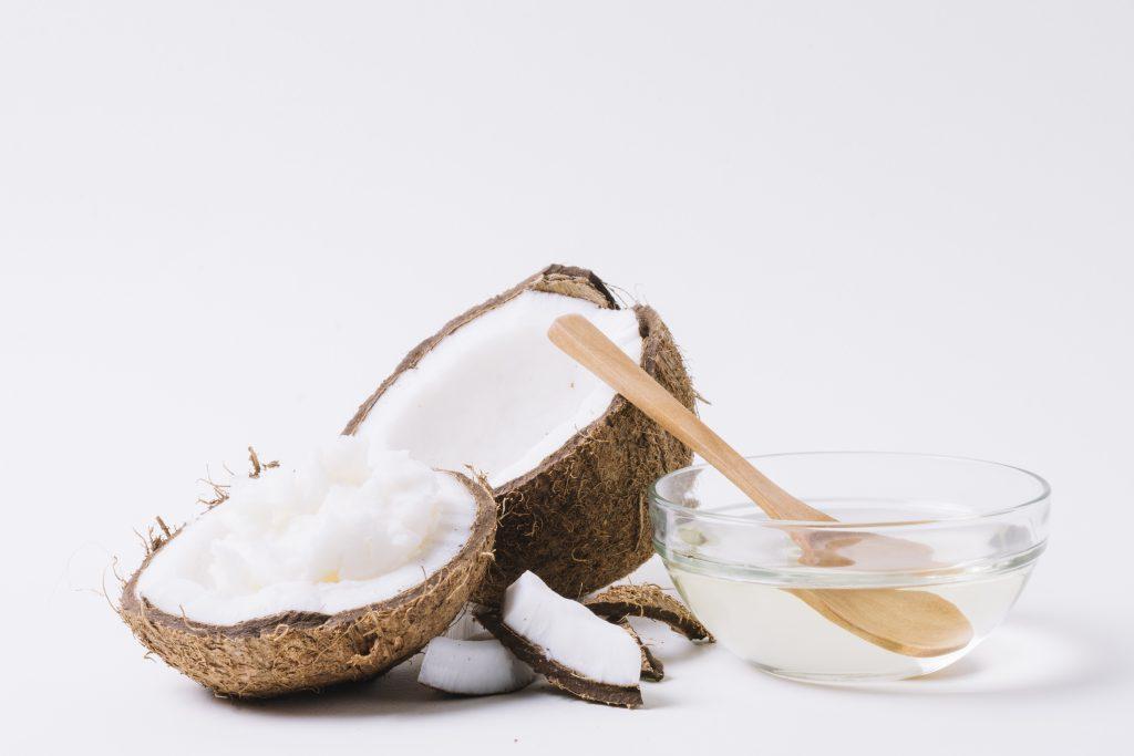 Mascarilla de coco para hidratar el pelo